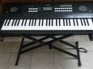 出售二手雅马哈电子琴