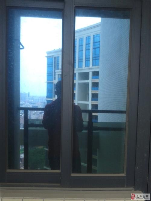 全新玻璃窗,,新房開發商配的,準備拆下來低價轉讓