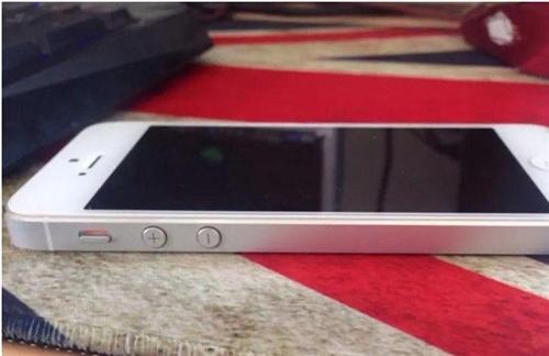 出售一臺蘋果5白色16G九成新出手價1450