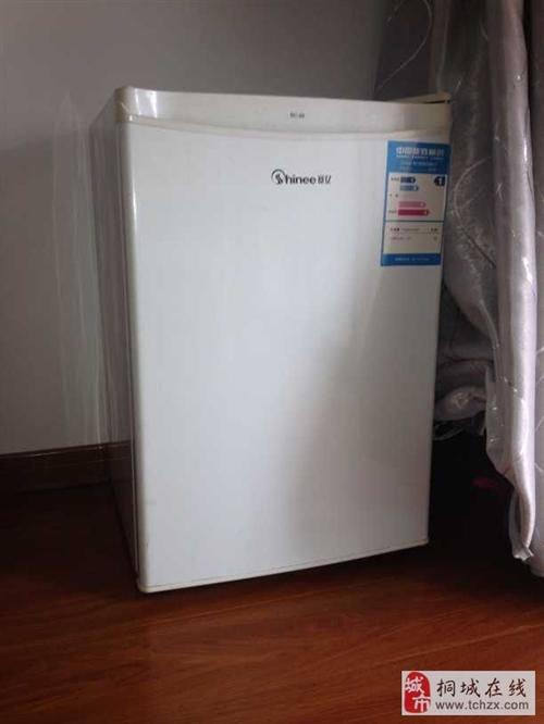 9成新单开门小冰箱出售