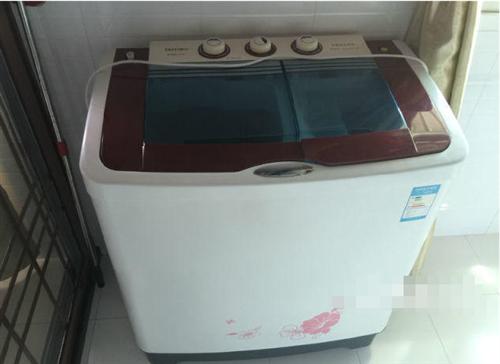 95成新,媽媽非常愛惜的洗衣機,換了全自動的,
