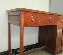求购老式办公桌一台