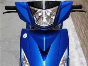 款式靓丽摩托车
