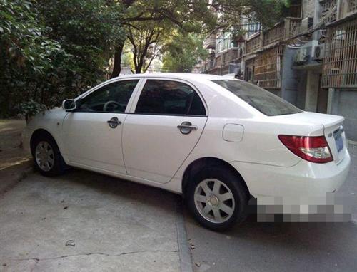 比亞迪F3 2011款 1.5 手動 新白金版豪華型  [白