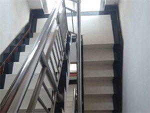 独院两层半带偏房 4室1厅1卫 230㎡