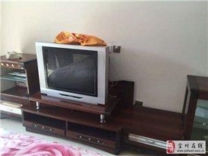 底价出售二手电视和电视柜