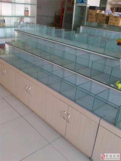出售九成新零食店或超市用的玻璃柜台