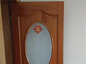 9成新实木门带铜锁、地板、洗面盆、排烟罩等