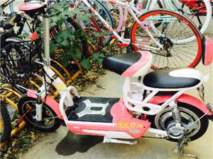 出售粉色电动自行车