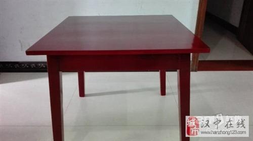 實木桌子(紅色) - 100元