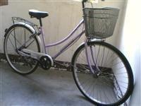 在家闲置旧弯梁自行车,当铁出售。