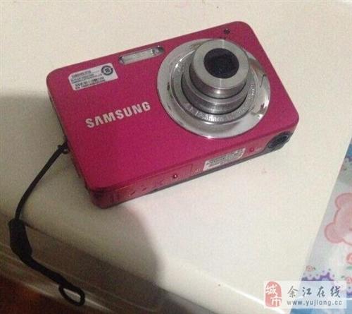 照相機買來700多,現在便宜賣100