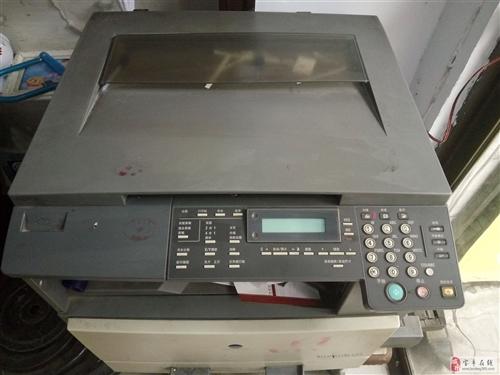 闲置美能达162复印机一台