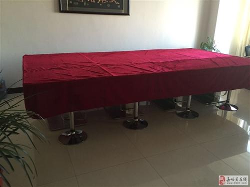 有大型会议桌出售,有意者联系