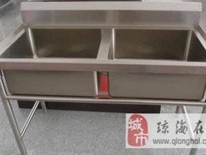 厨房/桌/双眼灶台/冰柜/双水槽/蒸饭机/塑料靠椅