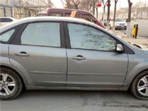 福特福克斯三厢2009款1.8手动舒适型