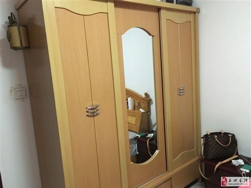 400元處理大衣柜和床