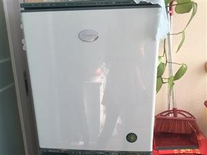 出卖容声电冰箱一台