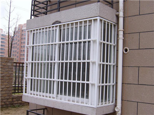 专业安装防盗窗..加工铝合金门窗.封阳台