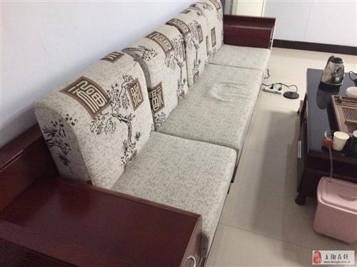 出售95成新沙发及配套茶几(可单卖)