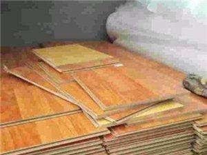 南京鸿运地铁口最低价格出售安装二手地板,木门公司