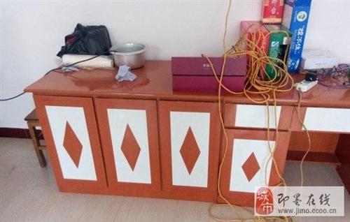 家里老人自己做的柜子,鞋柜、办公桌转让
