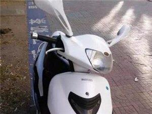 出售铃木125踏板摩托车
