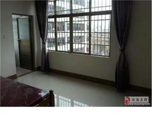 人民路(兴工路涤纶厂附近)有空调套房出租