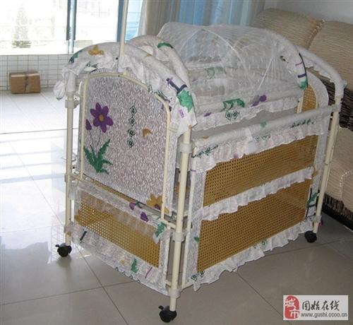 自家9成新嬰兒床免費送