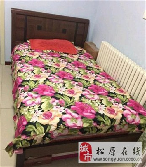 出售皇朝二手床和床垫子