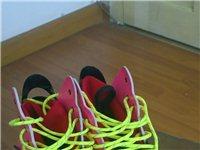 Y-3潮鞋低价处理,款式新颖爱时尚的朋友抓紧入手