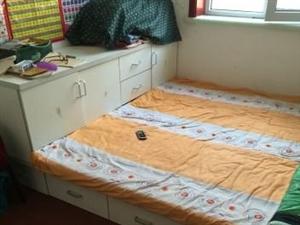大床带床头抽屉