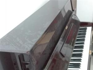 钢琴两台卖一台