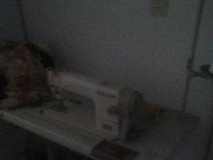 电动缝纫机