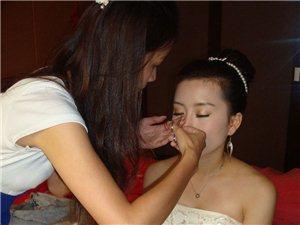 赵嫣,化妆师