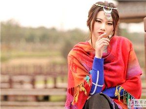 桃花仙子选秀大赛迎来第一位美女报名