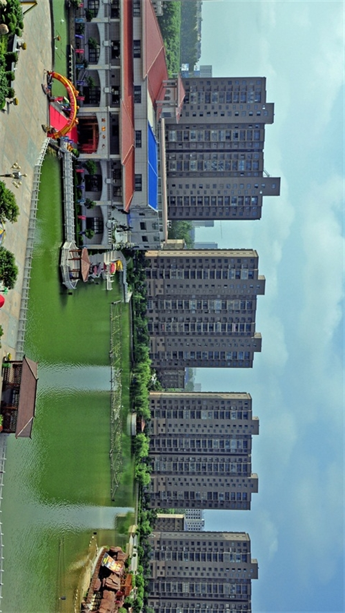 二期中央湖风景